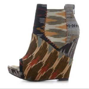 Julian Louie x Aldo Ikat Wedge